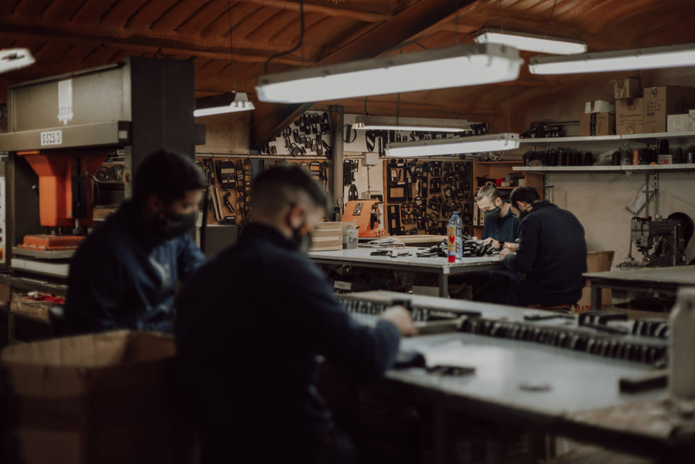 confeccion-artesanal-fundas-cuchillos-Albacete