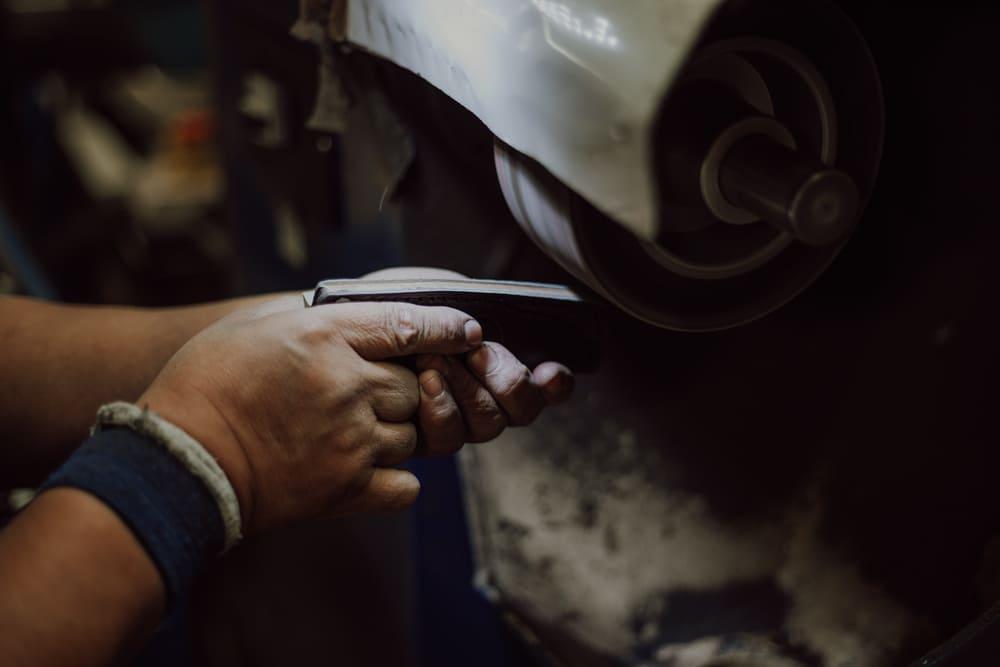 lijado-piezas-fundas-cuchillos